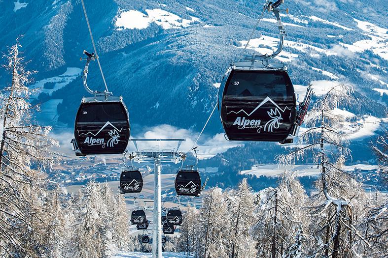 Télécabines débrayables Doppelmayr 10-MGD_Alpen_014_RGB